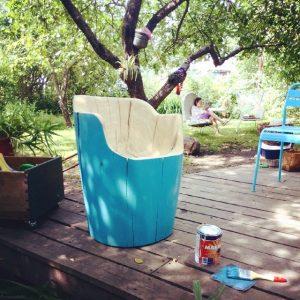 Кресло из массива вяза